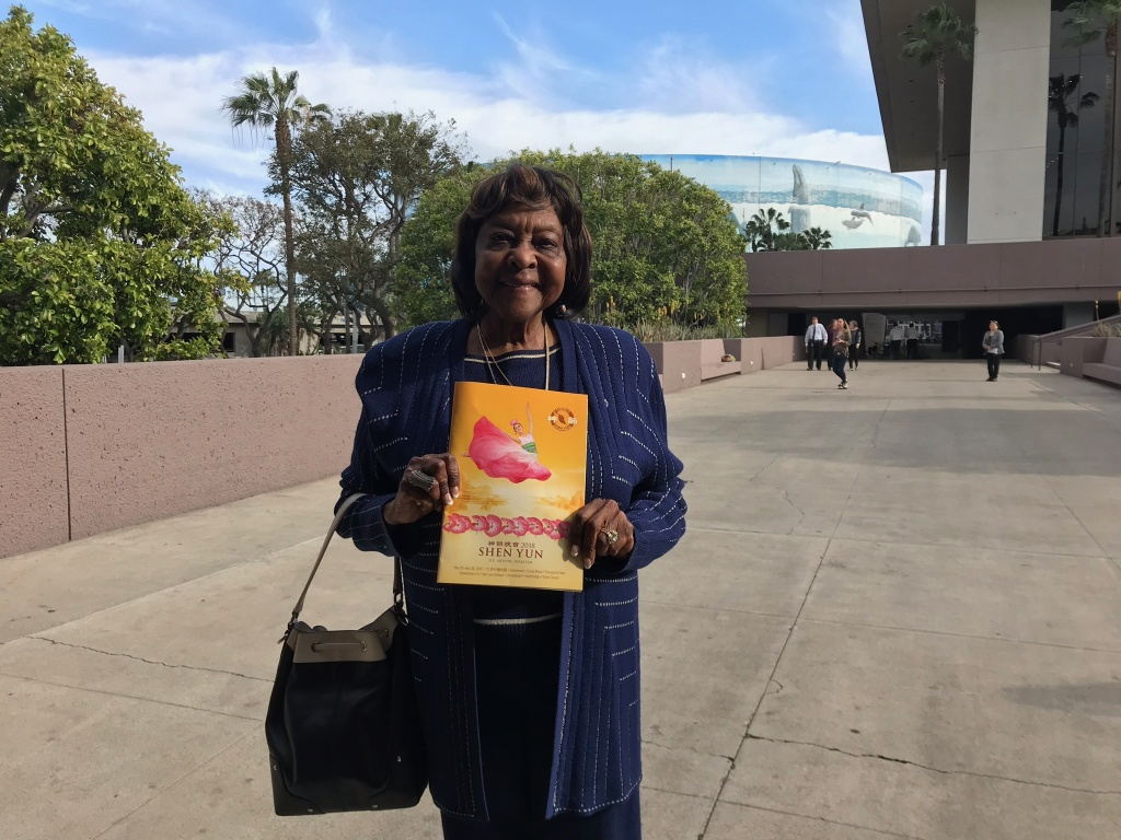 Mildred House, a psychologist from Rancho Palos Verdes, attended the Shen Yun show with a dozen of her girlfriends.