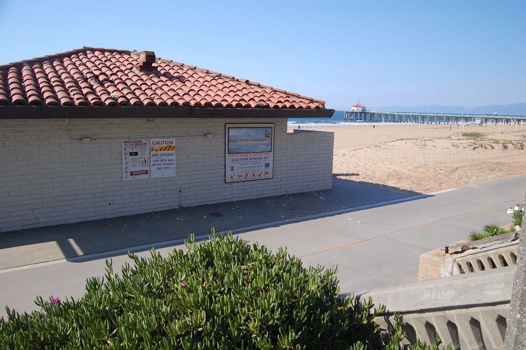 A restroom on the beach on Manhattan Beach