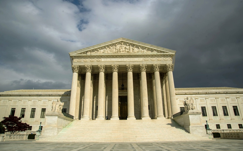 The US Supreme Court will take up a wide variety of issues, from freedom of speech to frequent flier miles, when the justices return in October.  KAREN BLEIER/AFP/Getty Images