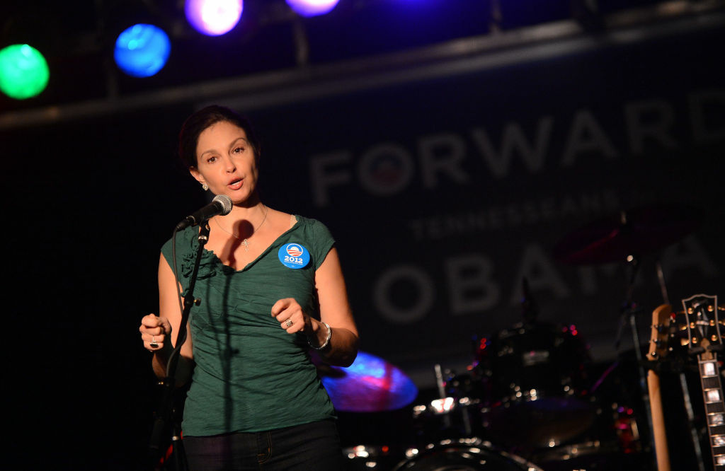 Actress Ashley Judd addresses the crowd during the Tennesseans For Obama Benefit at The Cannery Ballroom on October 4, 2012 in Nashville, Tennessee.