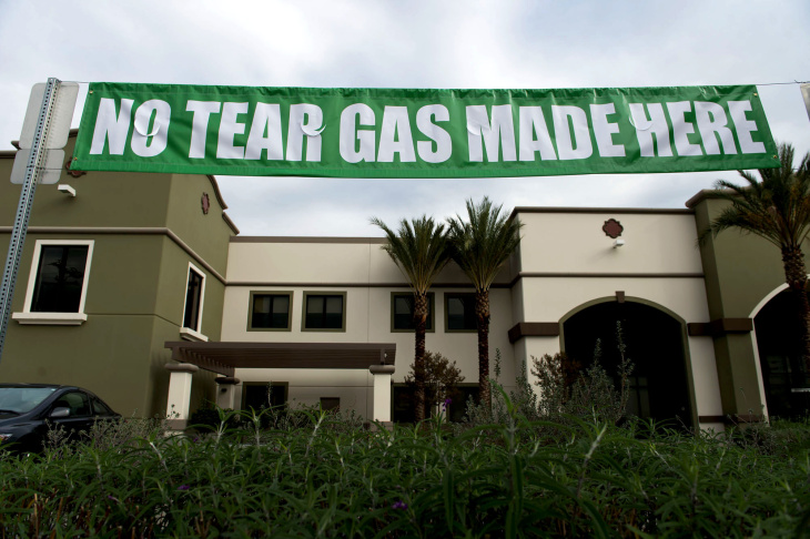 Huy Fong Foods posted a banner defending its manufacturing process at its factory in Irwindale.