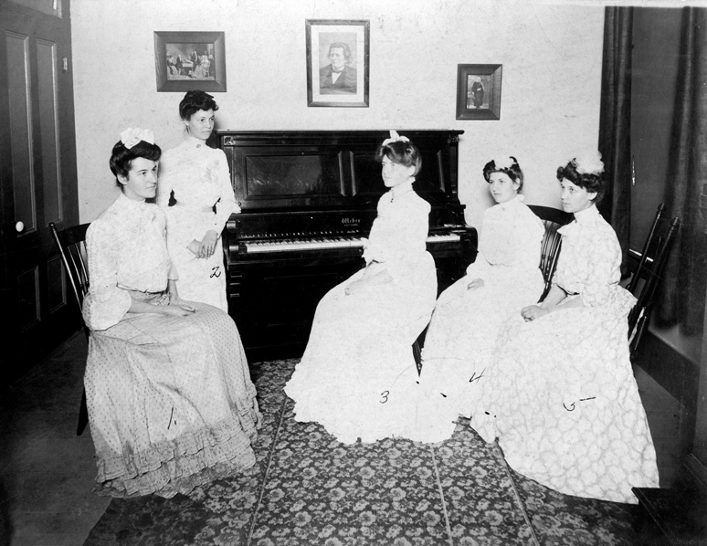 USC music students in 19th century photo.