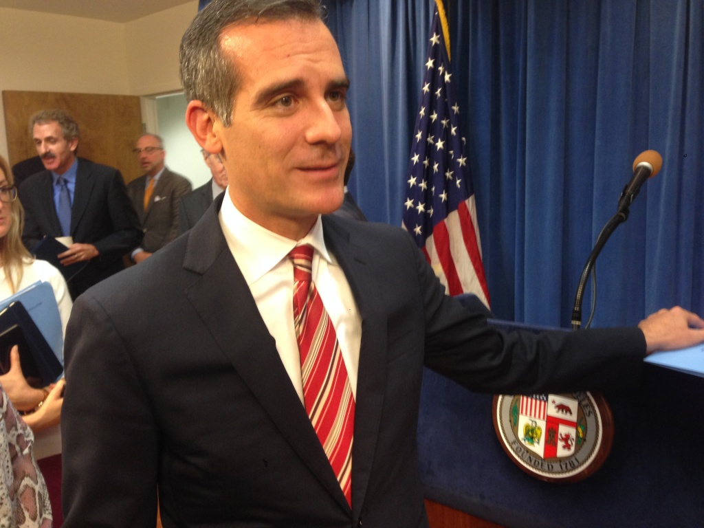 Los Angeles Mayor Eric Garcetti says Los Angeles Unified's next superintendent should have the qualities of a former superintendent, Roy Romer.