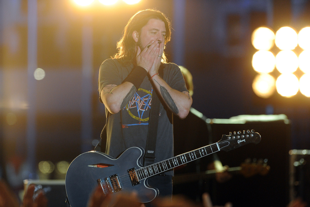 LOS ANGELES, CA - FEBRUARY 12:  Musician Dave Grohl of the Foo Fighters performs onstage at the 54th Annual GRAMMY Awards held at Staples Center on February 12, 2012 in Los Angeles, California.