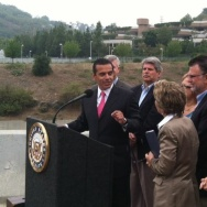 Mayor Villaraigosa talks public transportation