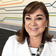 Loretta Sanchez Touts D.C. Credentials in a Year of the Outsider