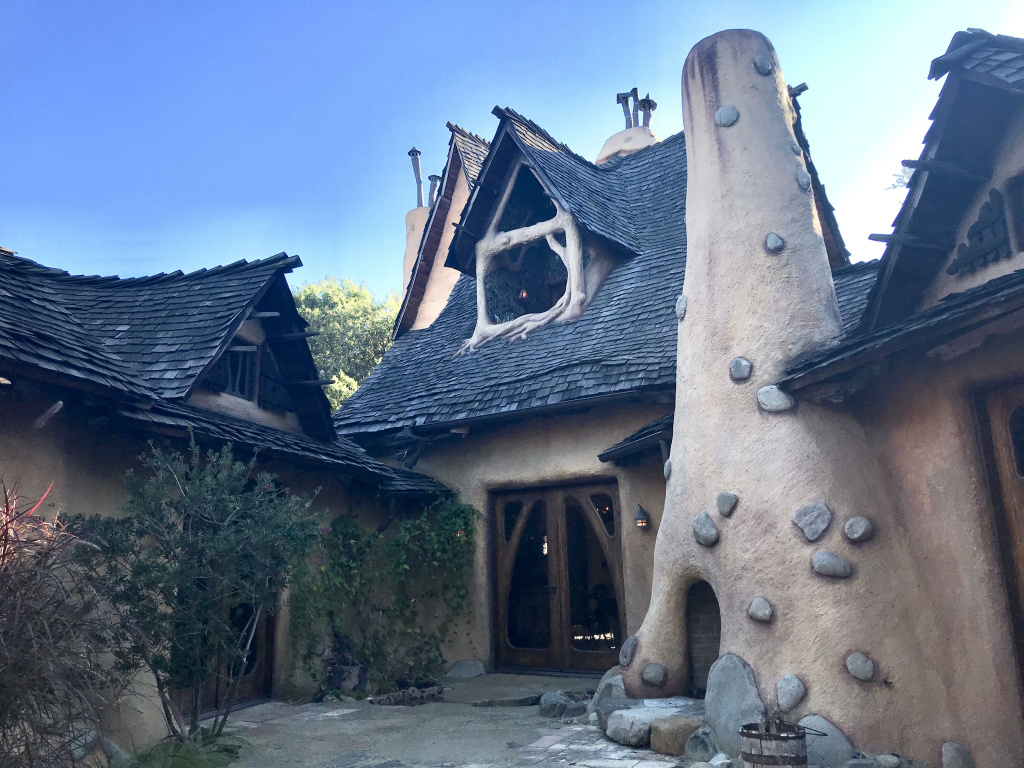 The back of Michael Libow's Witch House