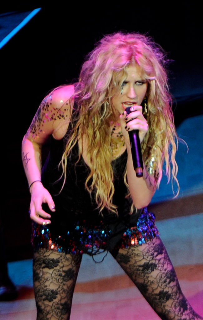 Ke$ha sometimes sings in a voice that exhibits