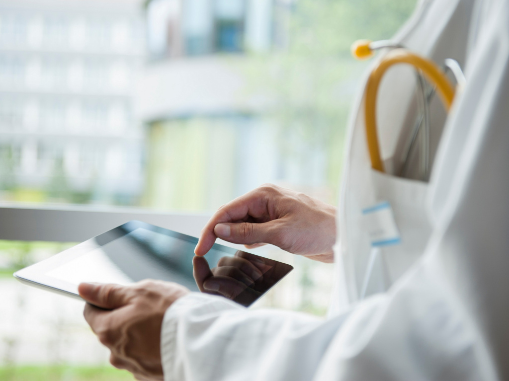 The reality of electronic medical records has yet to live up to the promise.