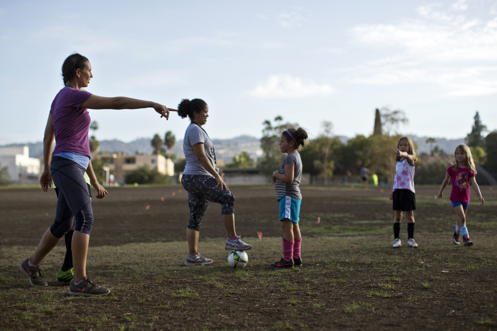 The condition of turf in community parks is one of many challenges bringing down the letter grades issued to Los Angeles city parks in a new report from City Controller Ron Galperin's office.