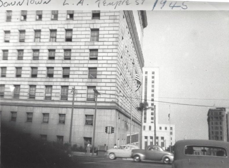 Temple Street, 1945