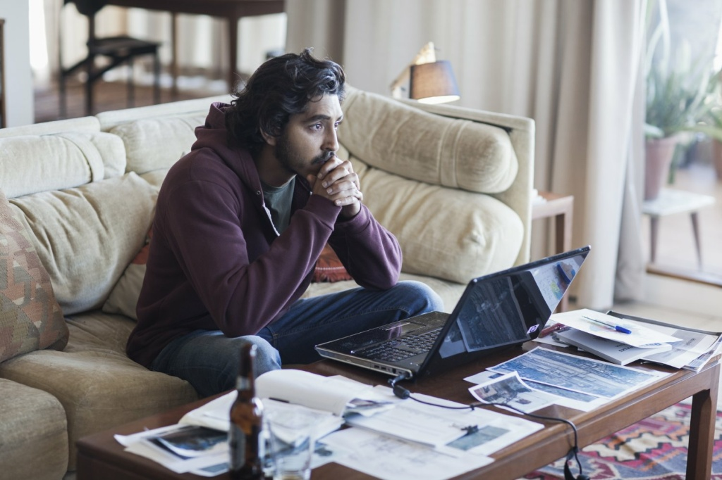 Dev Patel plays Saroo Brierley in