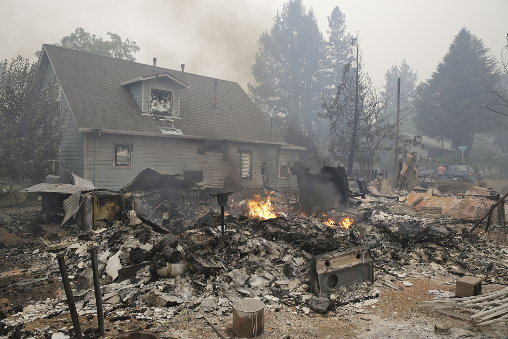 California Rules Of Court >> Slideshow: Valley Fire destroys at least 100 homes; thousands evacuated   89.3 KPCC