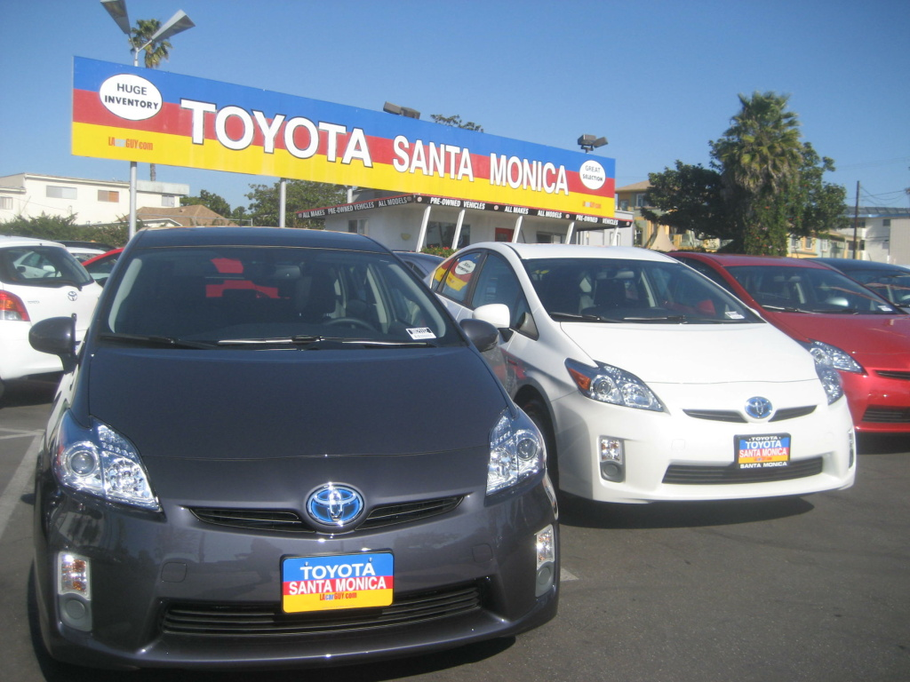 Toyota Priuses on the Toyota Santa Monica lot