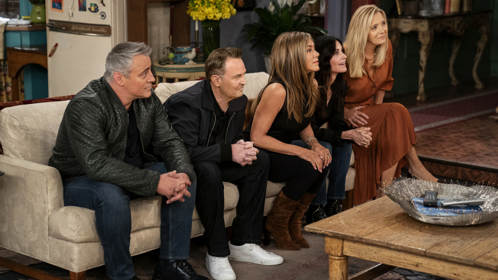 Matt LeBlanc, Matthew Perry, Jennifer Aniston, Courteney Cox, and Lisa Kudrow appear (along with David Schwimmer) in the special <em>Friends: The Reunion</em>.