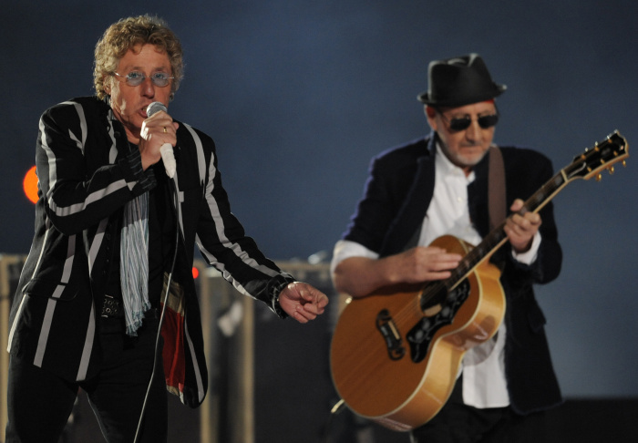 Roger Daltrey (L) and Pete Townshend of