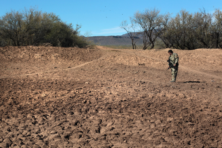 "Native American ""Shadow Wolves"" Track Smugglers Through Desert"
