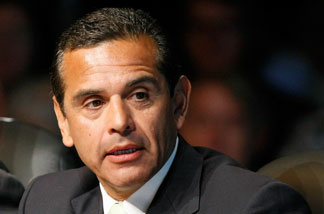 Los Angeles Mayor Antonio Villaraigosa attends the National Clean Energy Summit 2.0 at the Cox Pavilion at UNLV August 10, 2009 in Las Vegas, Nevada.