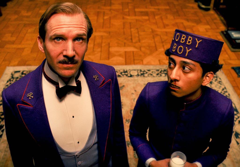 Ralph Fiennes and Tony Revolori in