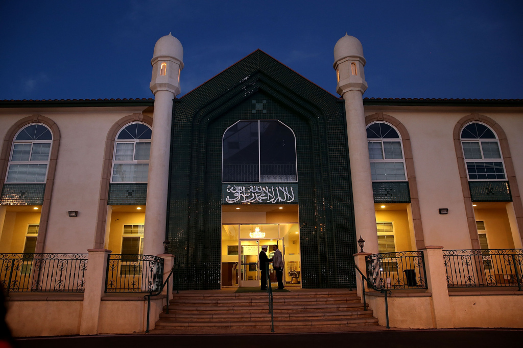 File: People enter the Baitul Hameed Mosque for a post-San Bernardino shooting prayer vigil on Dec. 3, 2015 in Chino.