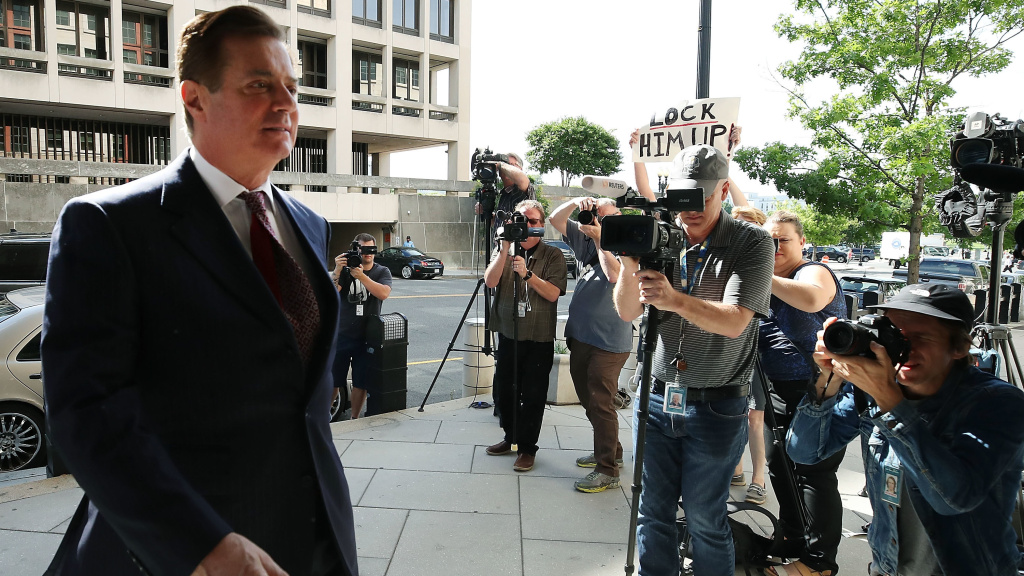 Former Trump campaign manager Paul Manafort arrives at the federal courthouse in Washington, D.C., for a hearing on June 15.