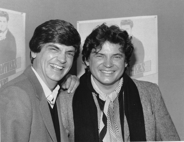 Video: Phil Everly of the Everly Brothers dies at 74 (updated ...