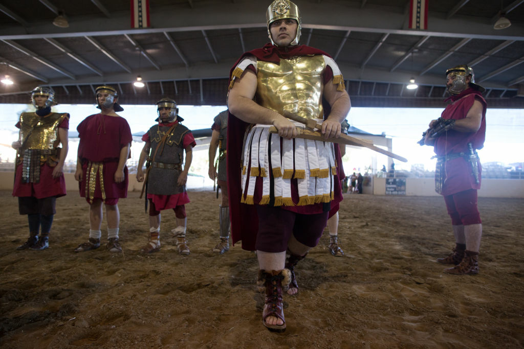 Photos Burbank Brings Gladiators To Arms In Historical