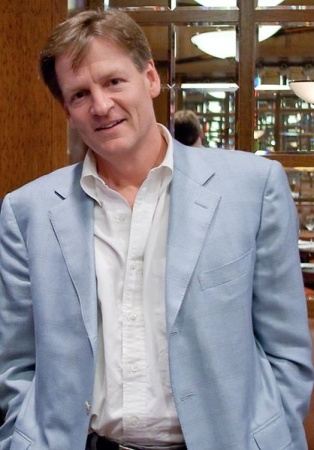 Author Michael Lewis