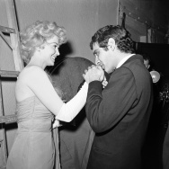 Omar Sharif and Donna Douglas