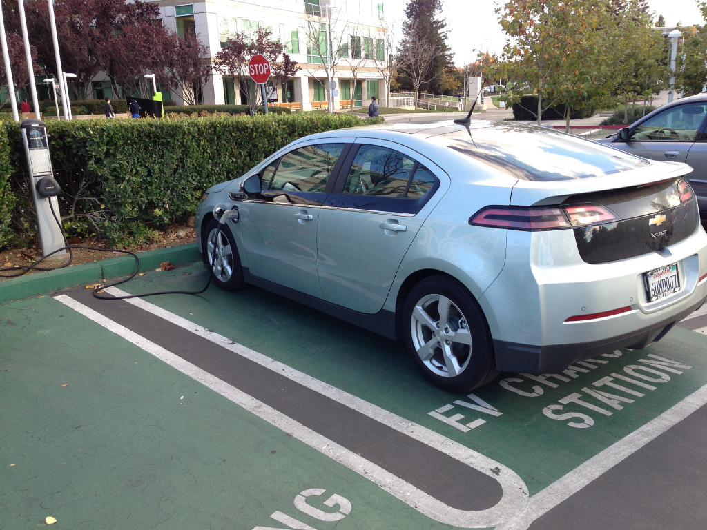 Replace Your Ride Offers Incentives For Low Income Southern Californians To Hybrids Or Electric