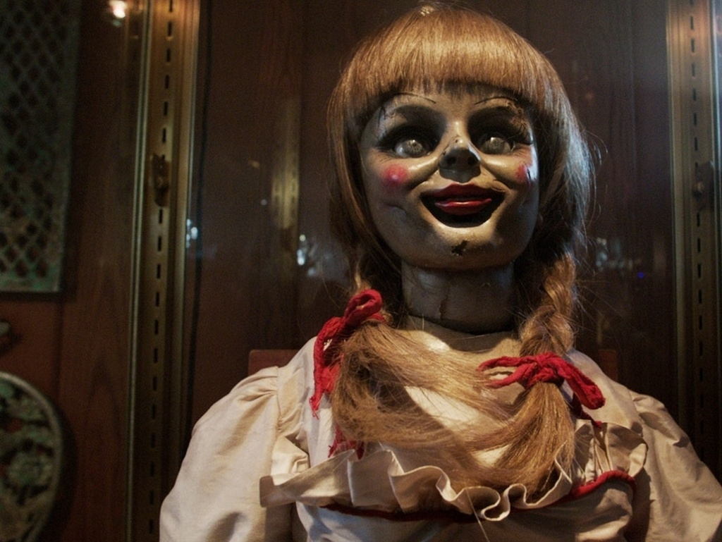 <strong><em>Conjuring </em>Scares:</strong> James Wan's latest genre entry serves up familiar horror tropes with enough style and facility to result in something shiver-inducingly fresh.