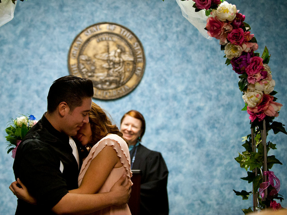 Season S Givings Volunteers Needed To Perform Los Angeles County Civil Wedding Ceremonies 89 3 Kpcc