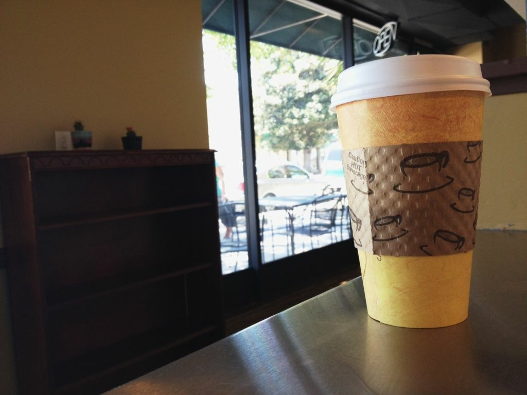 A new Berkeley law requiring restaurants and coffee shops to charge 25 cents per disposable cup went into effect Jan. 1.