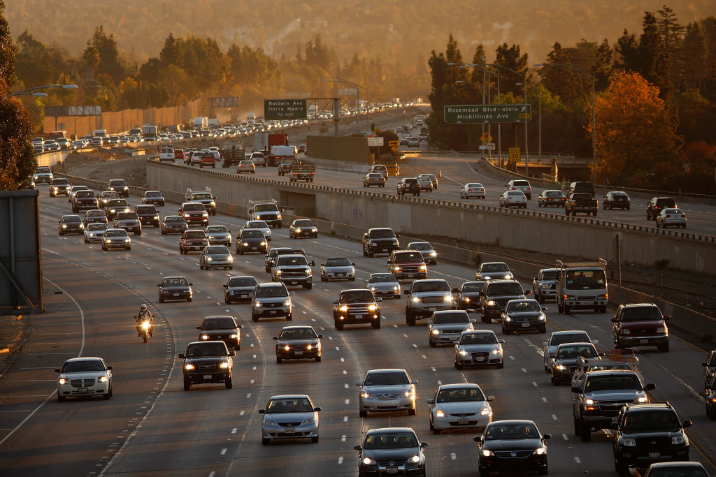 Morning commuters travel the 210 freeway between Los Angeles and cities to the east on December 1, 2009 near Pasadena, California. A freeway connector on the 210 will be closed on weekdays starting Monday.