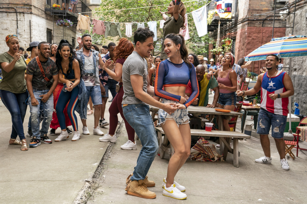 """ANTHONY RAMOS as Usnavi and MELISSA BARRERA as Vanessa in  """"IN THE HEIGHTS."""""""
