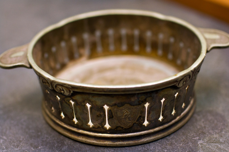 A bracelet features the Agua Caliente crest. It's estimated to be from between 1928 and 1935.