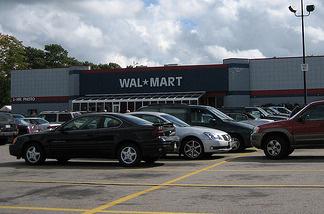 One million women stand against Wal-Mart: gender discrimination case goes forward