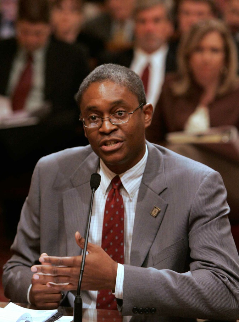Raphael Bostic, associate professor at the University of Southern California School of Policy, Planning and Development, describes the impact of non-traditional loans on consumers and the mortgage industry, during an informational hearing at the Capitol in Sacramento, Calif., on Jan. 31, 2007.