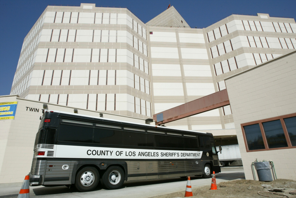 A Los Angeles County Sheriff's Department prisoner transport bus pulls into the Twin Towers Correctional Facility October 15, 2003 in Los Angeles, California.