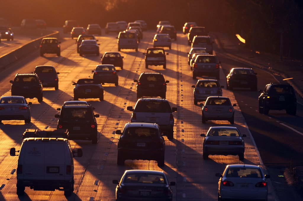 People drive on Highway 134 at the end of the evening rush hour in Glendale, California on September 3, 2010. Authorities in Los Angeles and Orange counties are looking for vandals who damaged more than 60 cars in two weekend crime sprees.