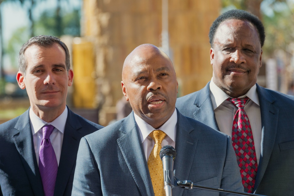 Metro CEO Phillip Washington flanked by Los Angeles Mayor Eric Garcetti and Inglewood Mayor James T. Butts