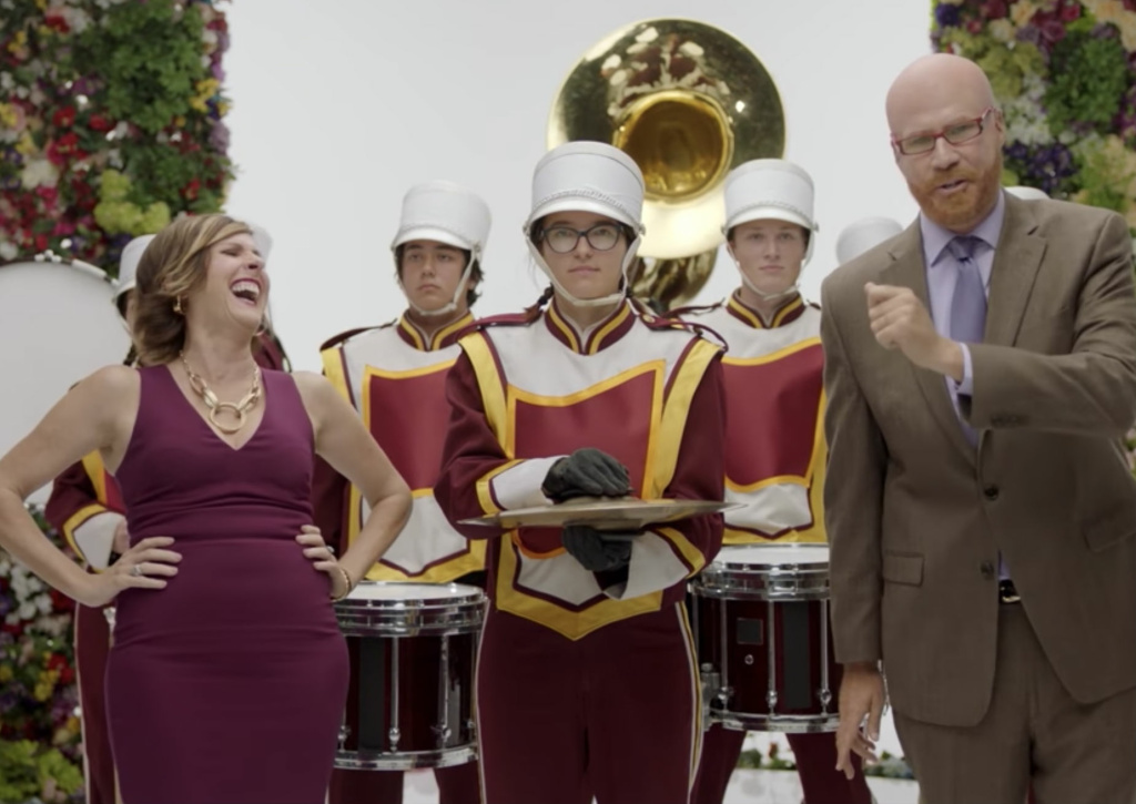 Tish Caddigan (Molly Shannon) and Cord Hosenbeck (Will Ferrell) prepare to host the 2018 Rose Parade for Amazon.