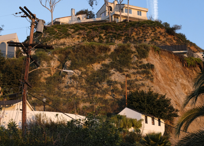 Slideshow 3 Hollywood Hills Homes Affected By Hillside
