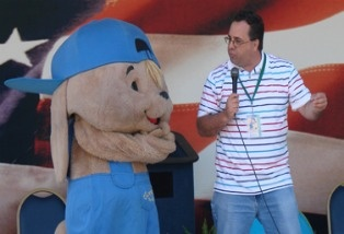 Sammy Rabbit talks to students at KIPP Raices Academy.