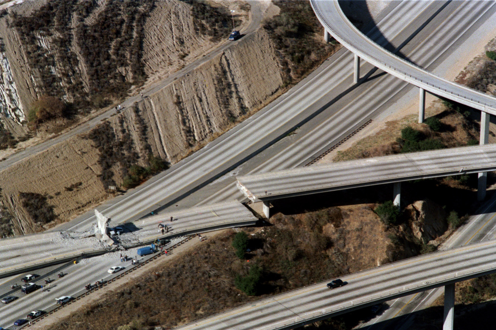 Aeria view of wrecked cars litter the connector ramp from Interstate 5 to Highway 14 following the Northridge earthquake, on Jan. 17, 1994, in Northridge, California. During Northridge earthquake damage was widespread, sections of major freeways collapsed, parking structures and office buildings collapsed, and numerous apartment buildings suffered irreparable damage.