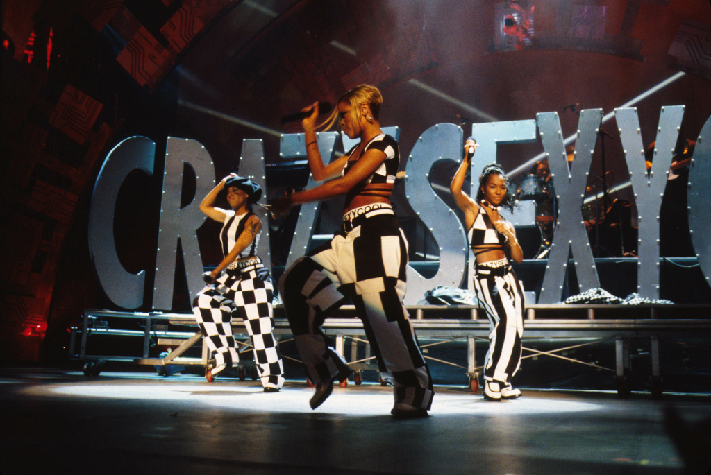 TLC performing at the 1995 MTV Music Video Awards, held at the Radio City Music Hall, New York City, NY on September 7, 1995.
