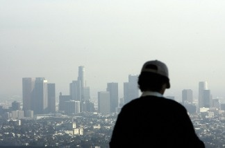 A view of downtown Los Angeles, California is seen on a smoggy afternoon, 02 November 2006.