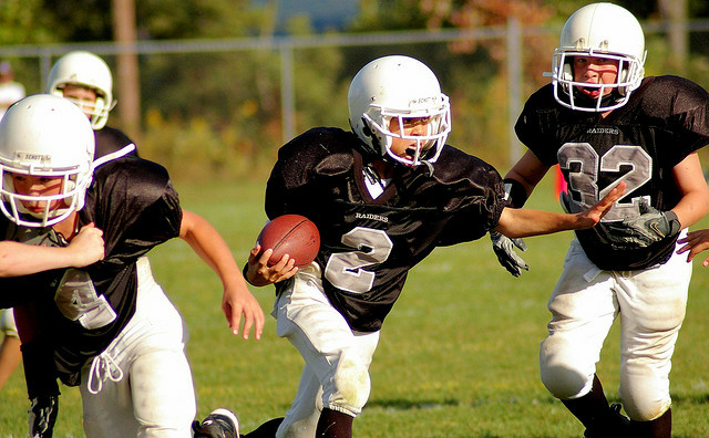 LA84 Foundation introduced guidelines that would favor youth football leagues that delay tackle football until participants are at least 8.