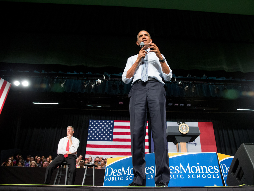 President Barack Obama, and Secretary of Education Arne Duncan, left, at North High School in Des Moines this month.