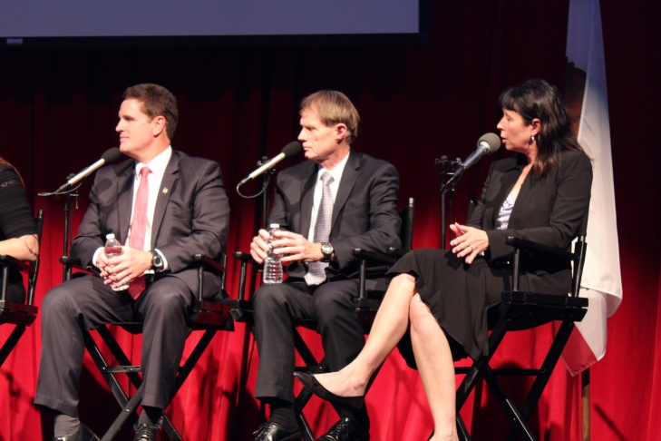 (L to R) Moderator Frank Stoltze, panelists Peter Scheer, Jack Leonard, Mildred O'Linn, Jeff Steck, Neal Tyler, Rochelle Wilcox.